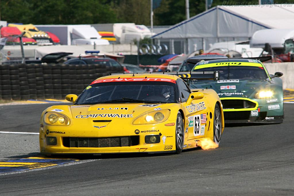 Corvette leading Aston - Chassis: 003 - Entrant: Corvette Racing  - 2006 24 Hours of Le Mans