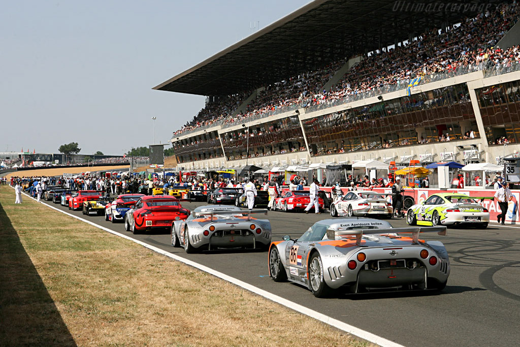 Full house! - Chassis: XL9GB11HX50363097 - Entrant: Spyker Squadron  - 2006 24 Hours of Le Mans