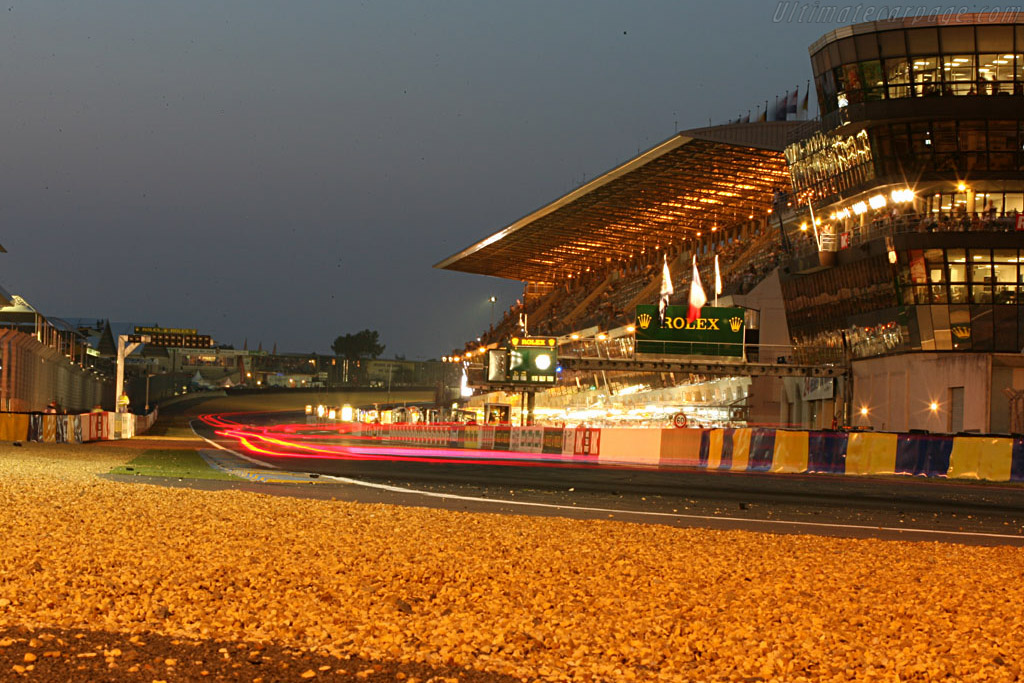Into the night    - 2006 24 Hours of Le Mans