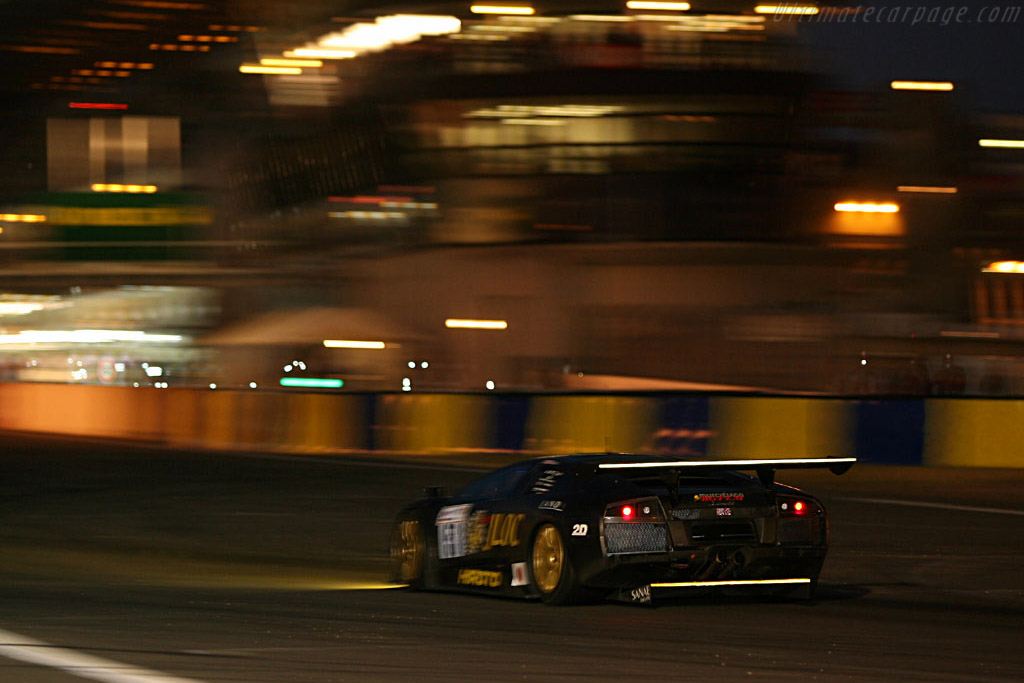 Into the night - Chassis: LA01063 - Entrant: JLOC Isao Noritake  - 2006 24 Hours of Le Mans