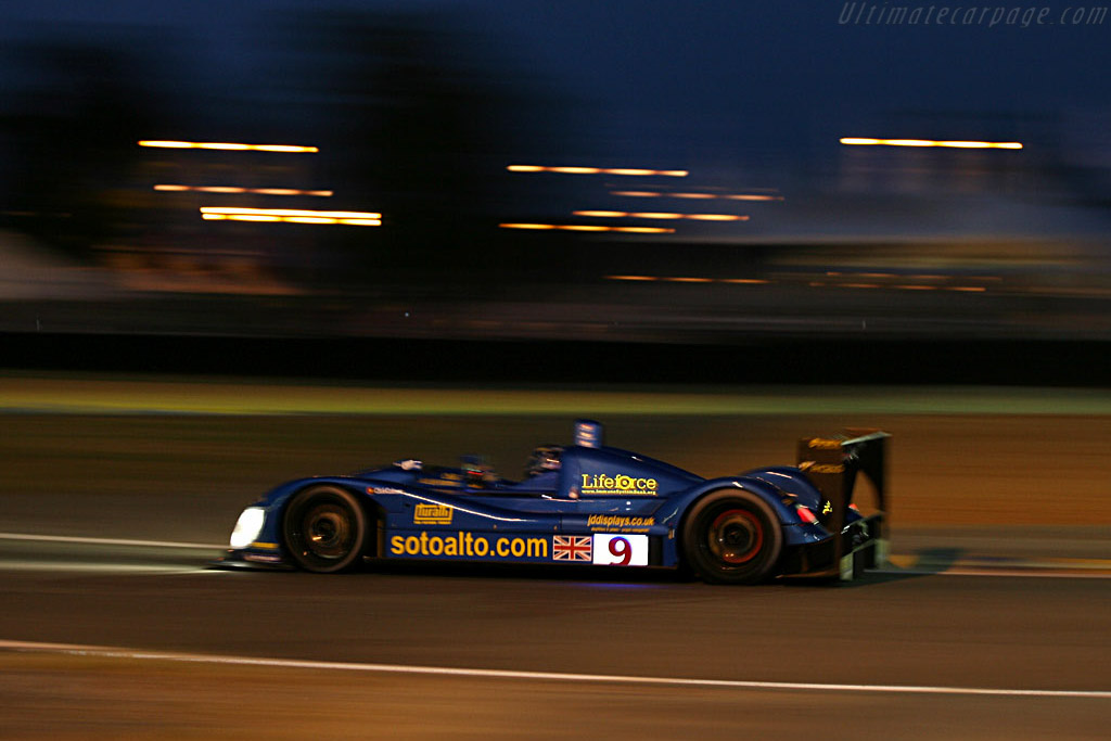 Into the night - Chassis: CA06/H - 001 - Entrant: Creation Autosportif ltd.  - 2006 24 Hours of Le Mans