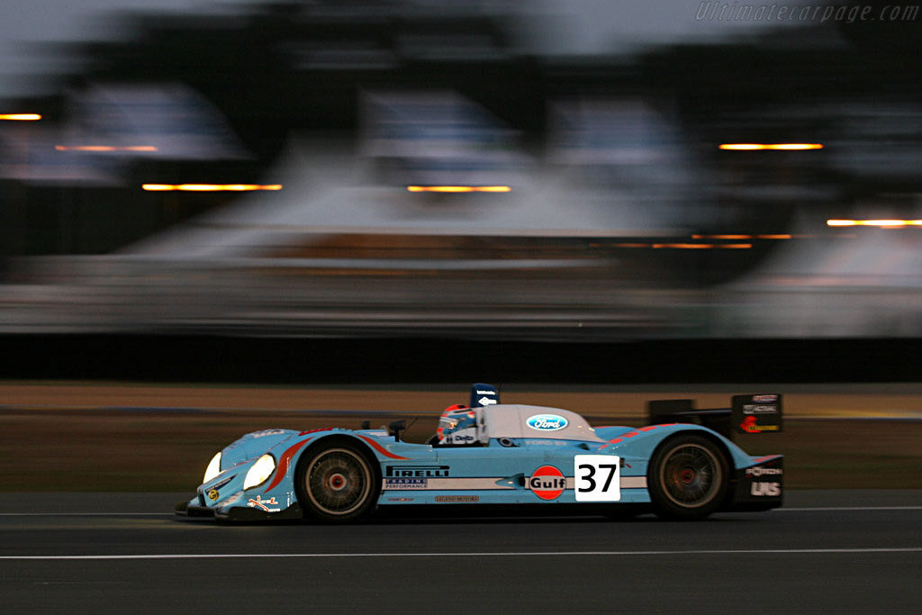 Into the night - Chassis: C60-10 - Entrant: Paul Belmondo Racing  - 2006 24 Hours of Le Mans