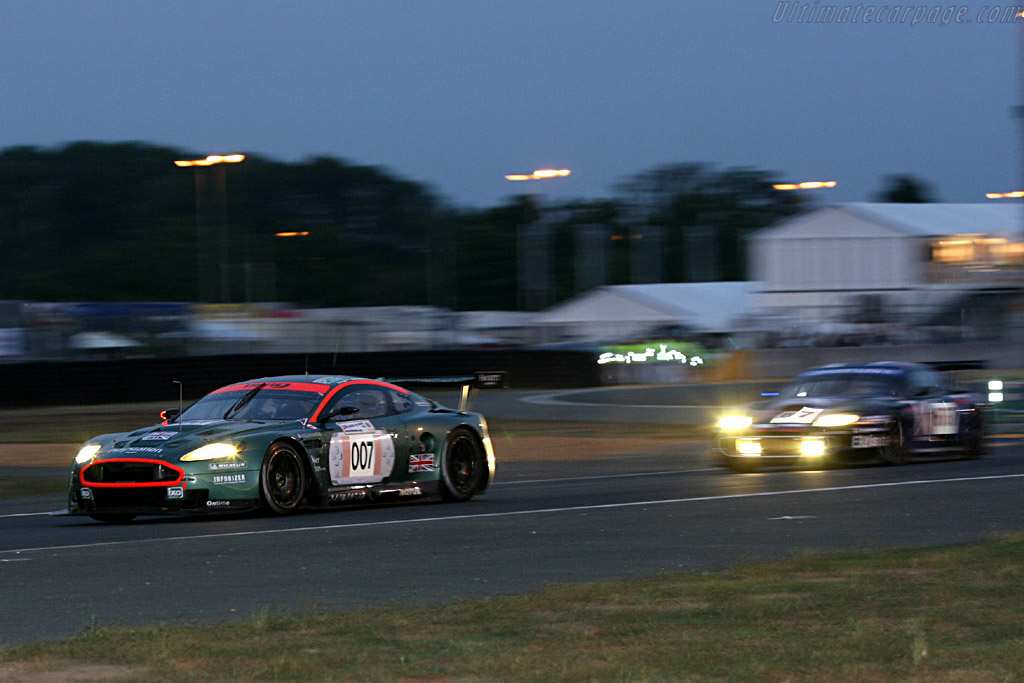 Into the night - Chassis: DBR9/3 - Entrant: Aston Martin Racing  - 2006 24 Hours of Le Mans