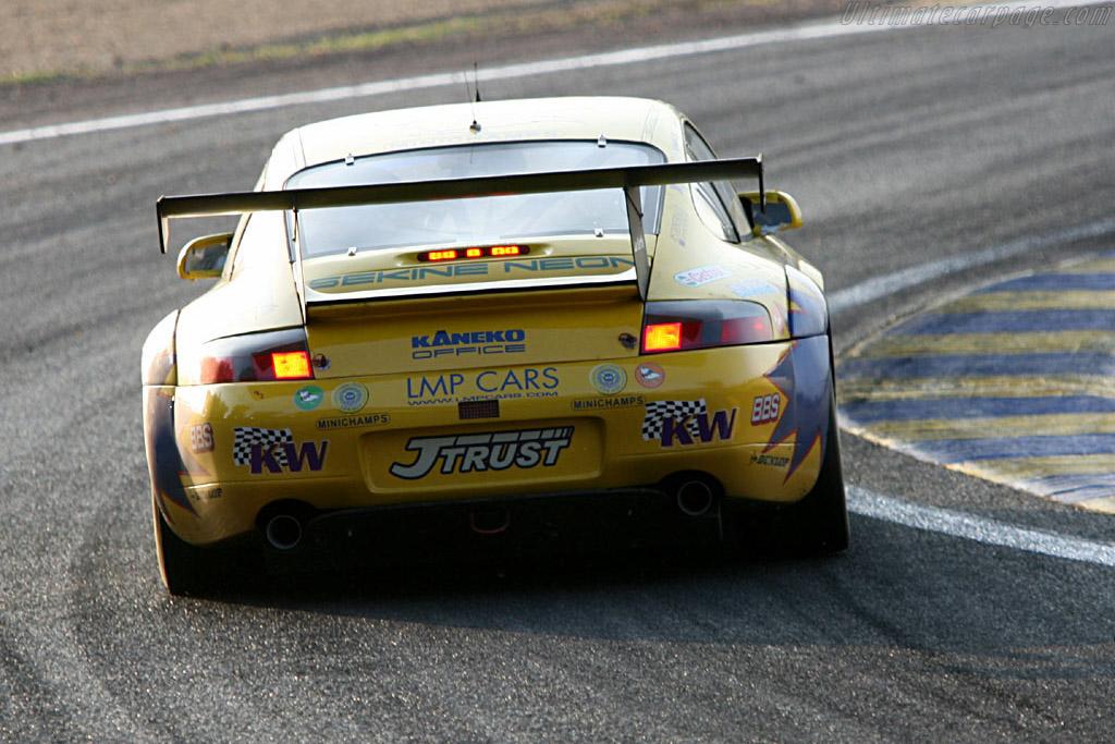 Tetre Rouge - Chassis: WP0ZZZ99Z1S692081 - Entrant: T2M Motorsport  - 2006 24 Hours of Le Mans