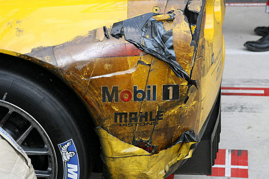 Wear and tear - Chassis: 003 - Entrant: Corvette Racing  - 2006 24 Hours of Le Mans