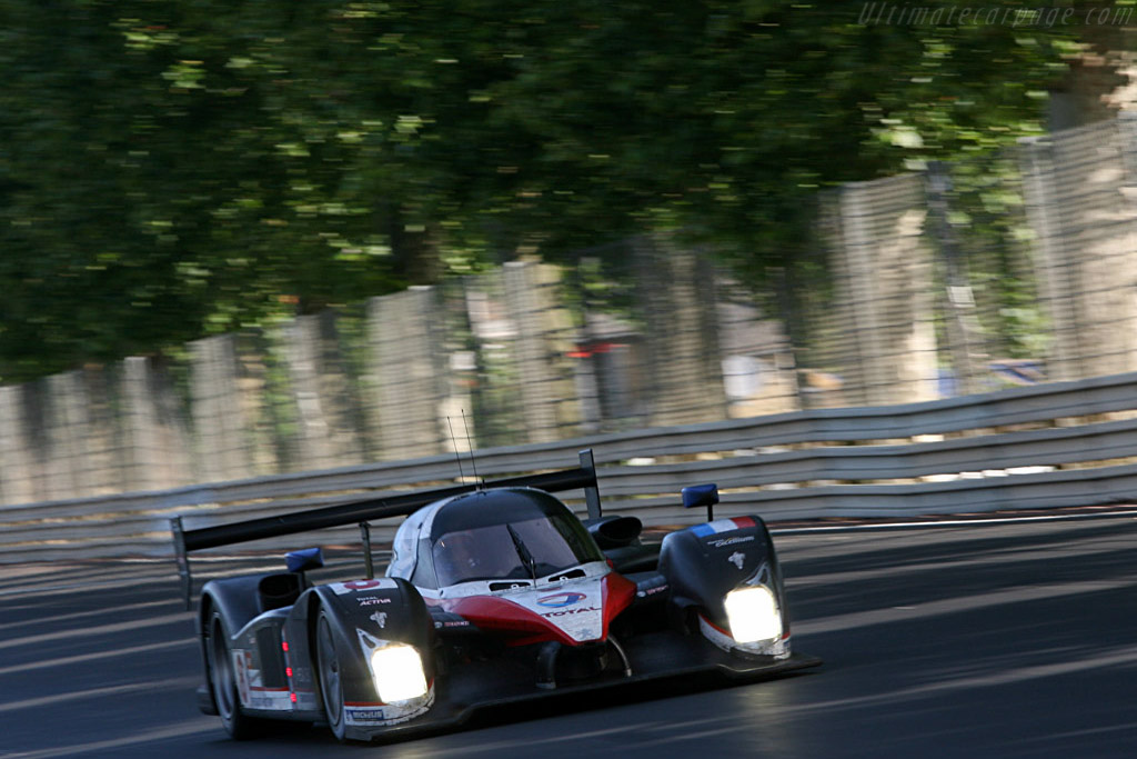 A new windscreen for the #8 - Chassis: 908-03 - Entrant: Team Peugeot Total  - 2007 24 Hours of Le Mans