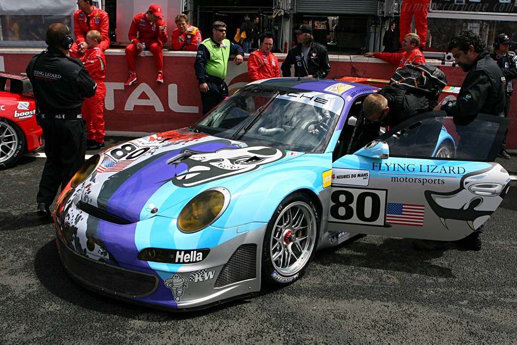 A proper art car - Chassis: WP0ZZZ99Z7S799913 - Entrant: Flying Lizard Motorsport  - 2007 24 Hours of Le Mans