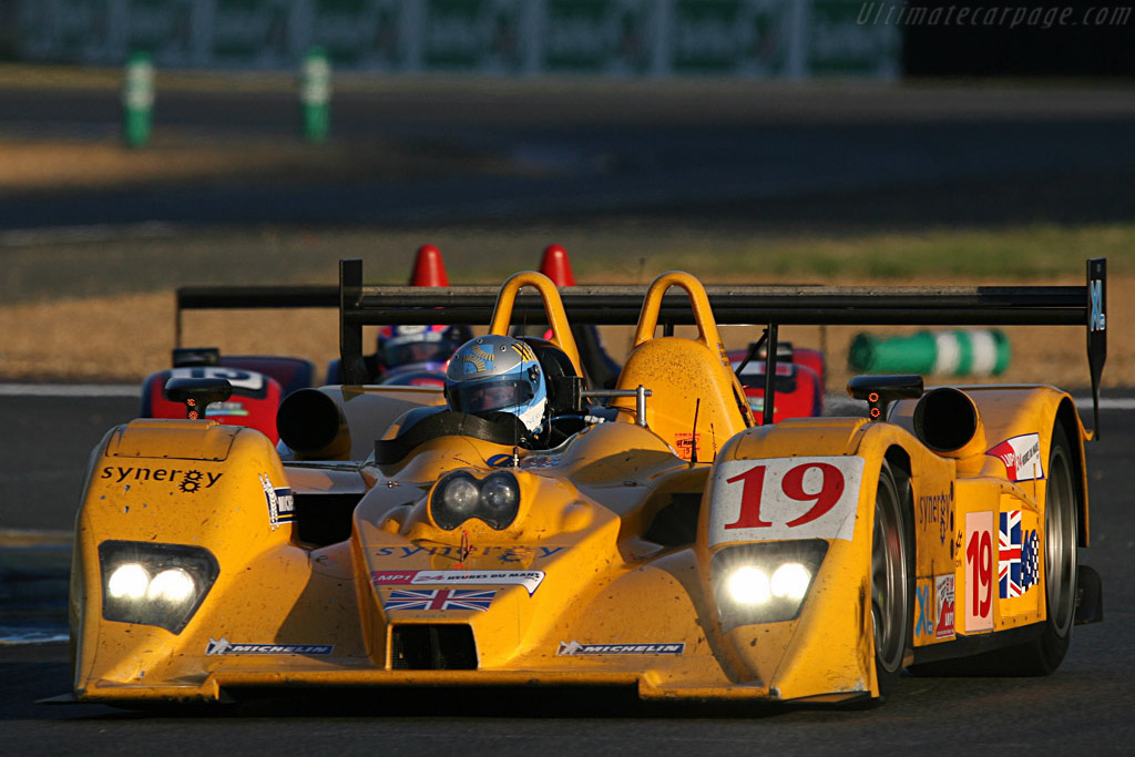 Another steady but anonymous run for Chamberlain - Chassis: B0610-HU07 - Entrant: Chamberlain Synergy  - 2007 24 Hours of Le Mans