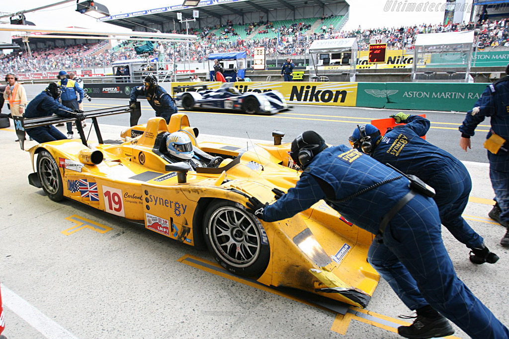 Back into place - Chassis: B0610-HU07 - Entrant: Chamberlain Synergy  - 2007 24 Hours of Le Mans