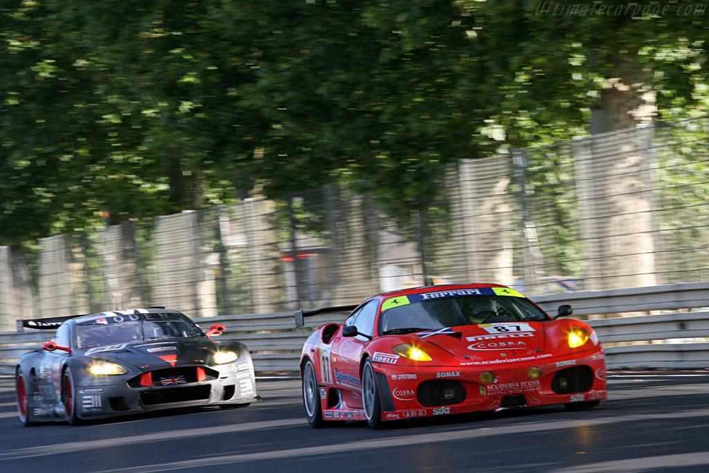 Ferrari leading Aston - Chassis: 2418 - Entrant: Scuderia Ecosse  - 2007 24 Hours of Le Mans