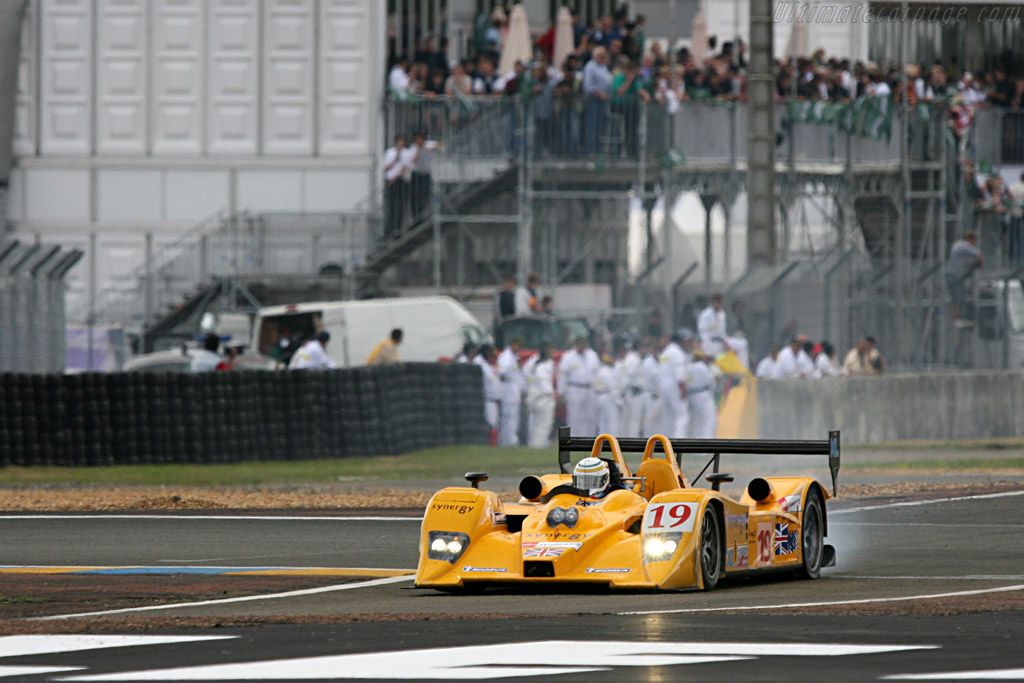 First problems for Chamberlain - Chassis: B0610-HU07 - Entrant: Chamberlain Synergy  - 2007 24 Hours of Le Mans