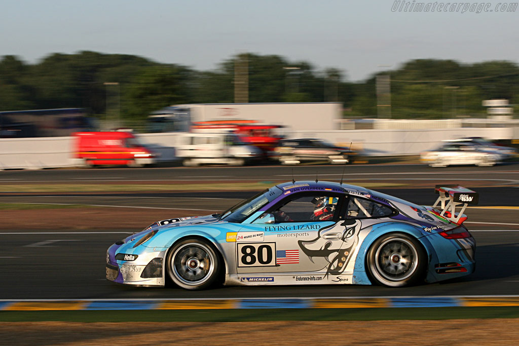 Flying onto the straight - Chassis: WP0ZZZ99Z7S799913 - Entrant: Flying Lizard Motorsport  - 2007 24 Hours of Le Mans