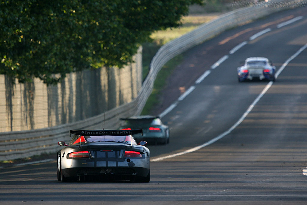 Hunting down a Porsche - Chassis: DBR9/101 - Entrant: Team Modena  - 2007 24 Hours of Le Mans
