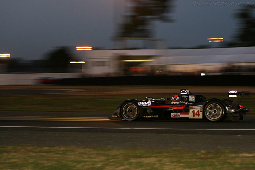 Into the night - Chassis: S101.5-02 - Entrant: Racing for Holland - Driver: Jan Lammers / David Hart / Jeroen Bleekemolen  - 2007 24 Hours of Le Mans