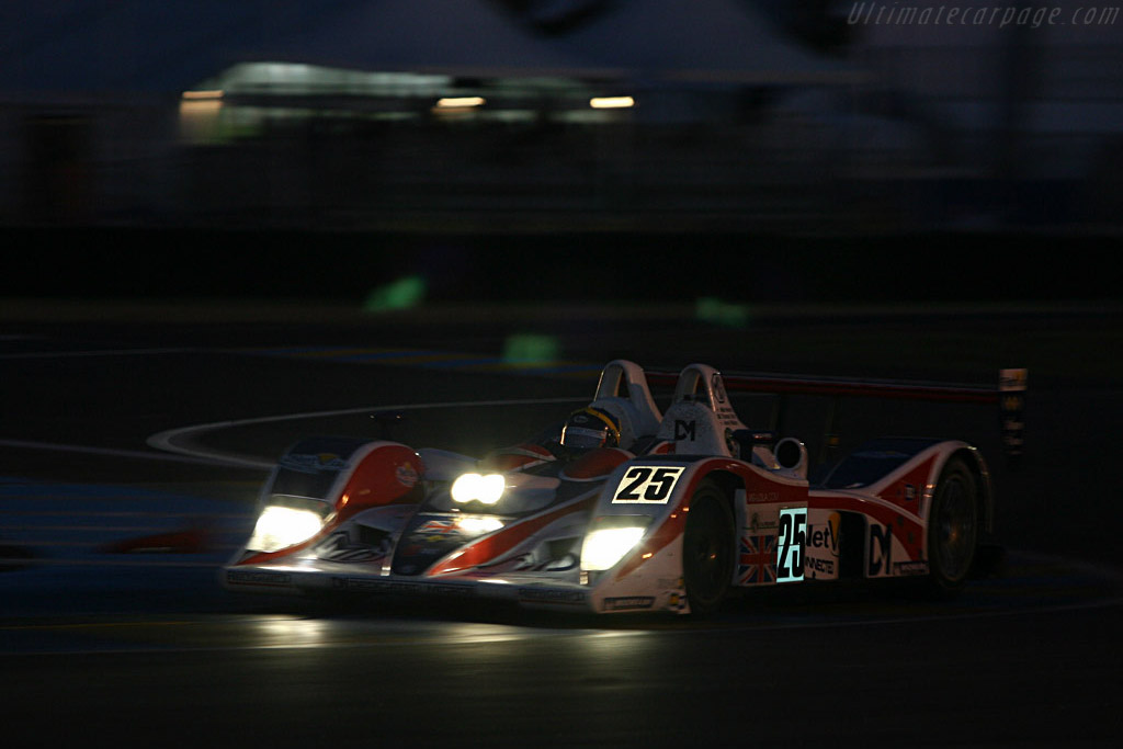 Into the night - Chassis: B0540-HU05 - Entrant: RML  - 2007 24 Hours of Le Mans