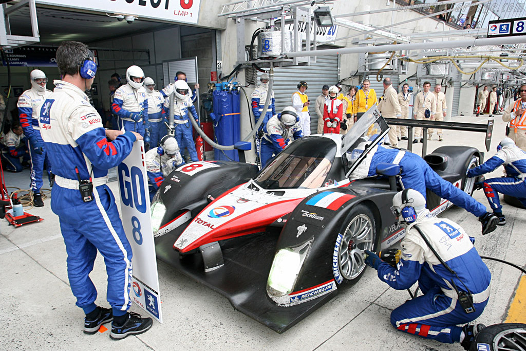Peugeot stop - Chassis: 908-03 - Entrant: Team Peugeot Total  - 2007 24 Hours of Le Mans