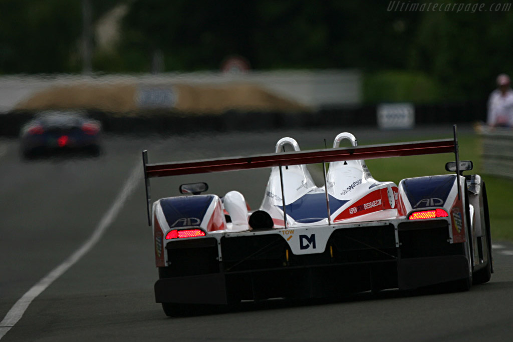 RML on the banking - Chassis: B0540-HU05 - Entrant: RML  - 2007 24 Hours of Le Mans