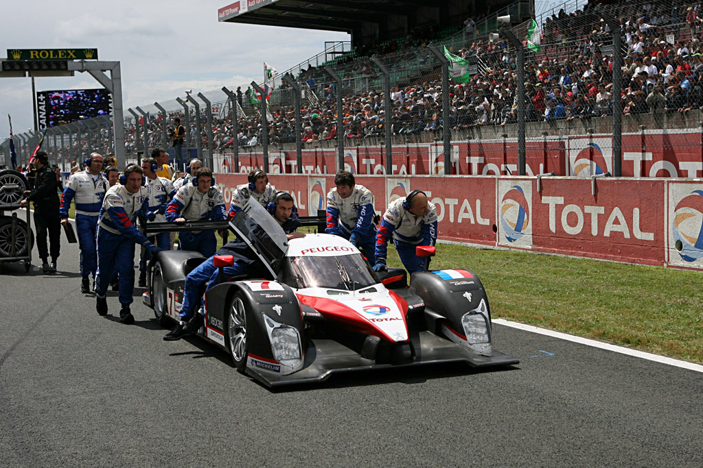 The crowd favourites - Chassis: 908-02 - Entrant: Team Peugeot Total  - 2007 24 Hours of Le Mans