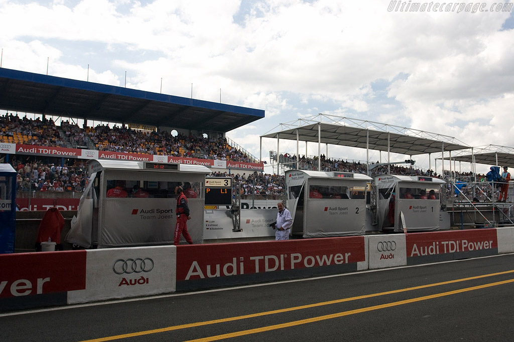 Audi TDI Power is omnipresent    - 2008 24 Hours of Le Mans