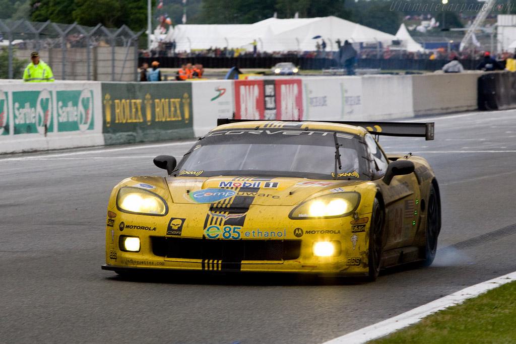 Corvette burn-out - Chassis: 008 - Entrant: Corvette Racing  - 2008 24 Hours of Le Mans