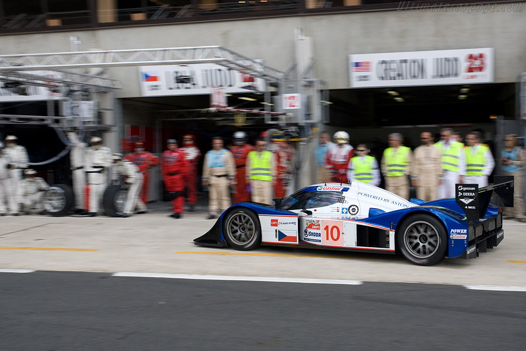 Full service for the Lola Aston - Chassis: B0860-HU01 - Entrant: Charouz Racing System  - 2008 24 Hours of Le Mans