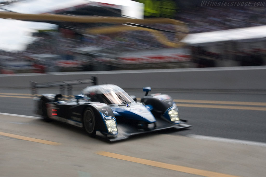 Incoming! - Chassis: 908-03 - Entrant: Team Peugeot Total  - 2008 24 Hours of Le Mans