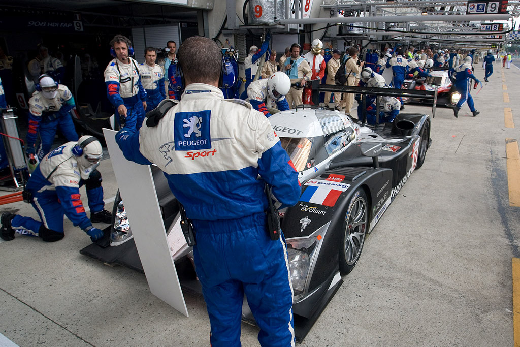 One-two in the pit - Chassis: 908-04 - Entrant: Peugeot Sport Total  - 2008 24 Hours of Le Mans