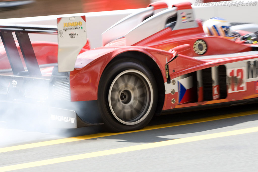 Puncture for Cytosport - Chassis: B0610-HU03 - Entrant: Charouz Racing System  - 2008 24 Hours of Le Mans
