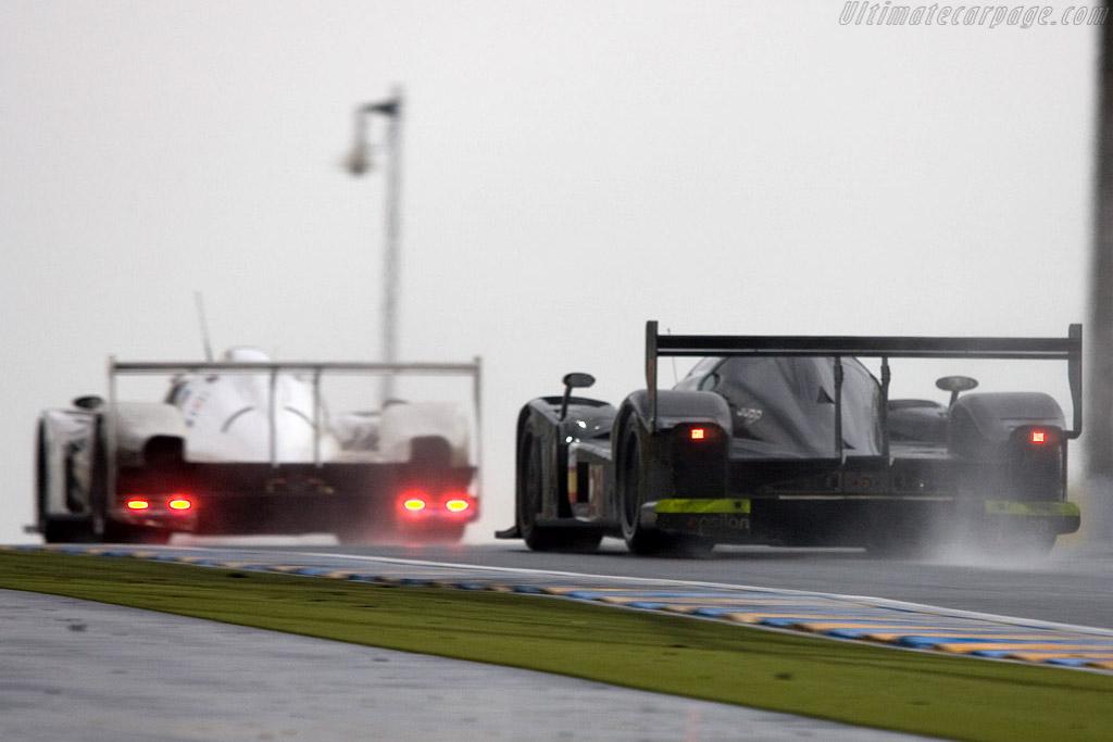 The two new Coupes under the Dunlop bridge - Chassis: 001 - Entrant: Epsilon Euskadi  - 2008 24 Hours of Le Mans