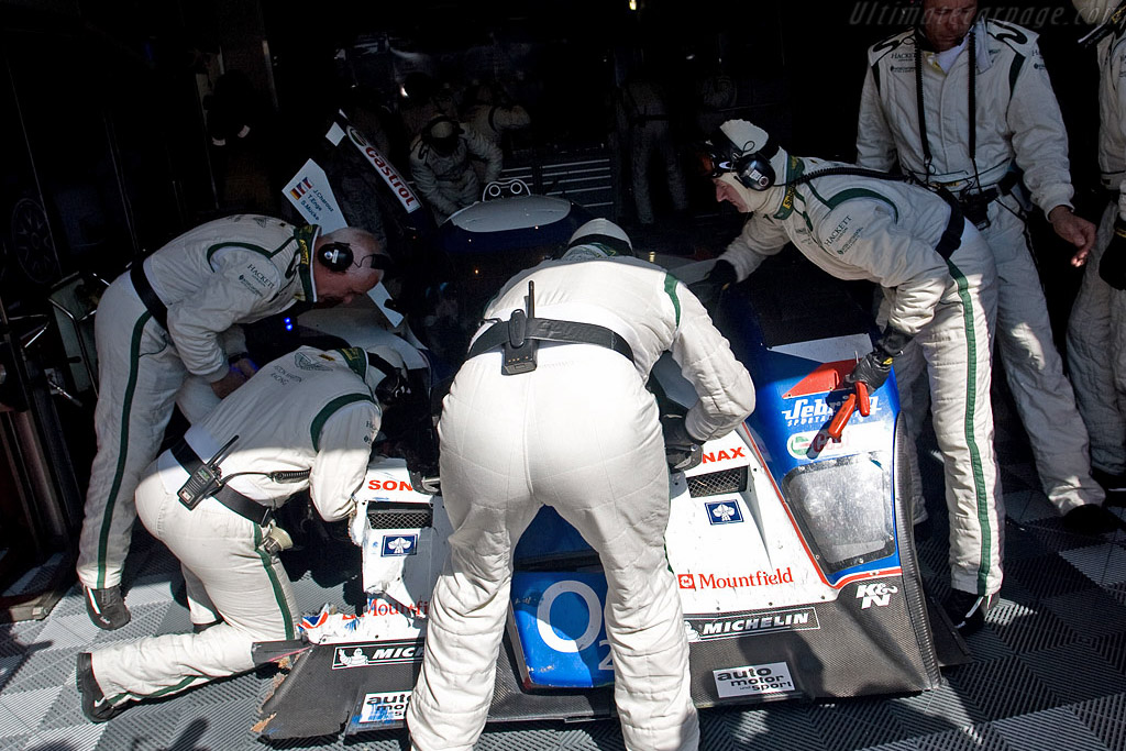 Two crashes worth of damage - Chassis: B0860-HU01 - Entrant: Charouz Racing System  - 2008 24 Hours of Le Mans