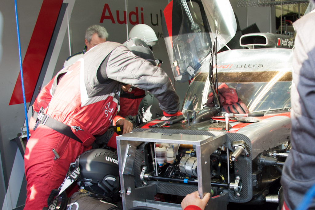 Audi repairs - Chassis: 207   - 2012 24 Hours of Le Mans