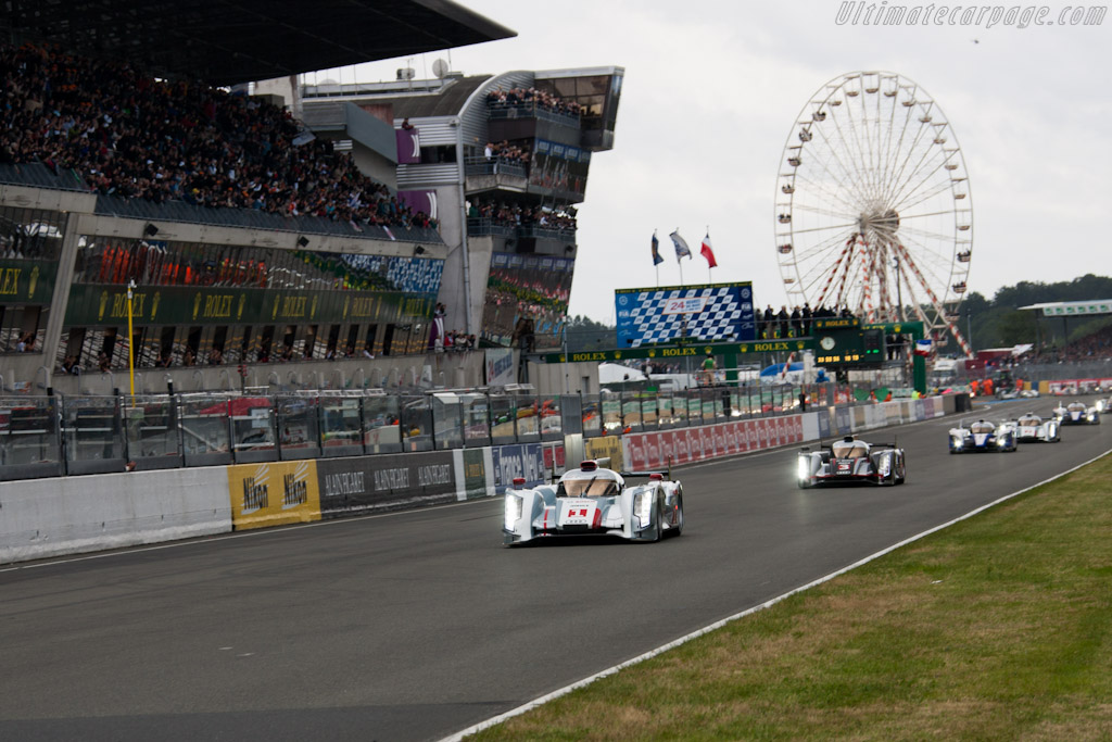 Off they go - Chassis: 208   - 2012 24 Hours of Le Mans