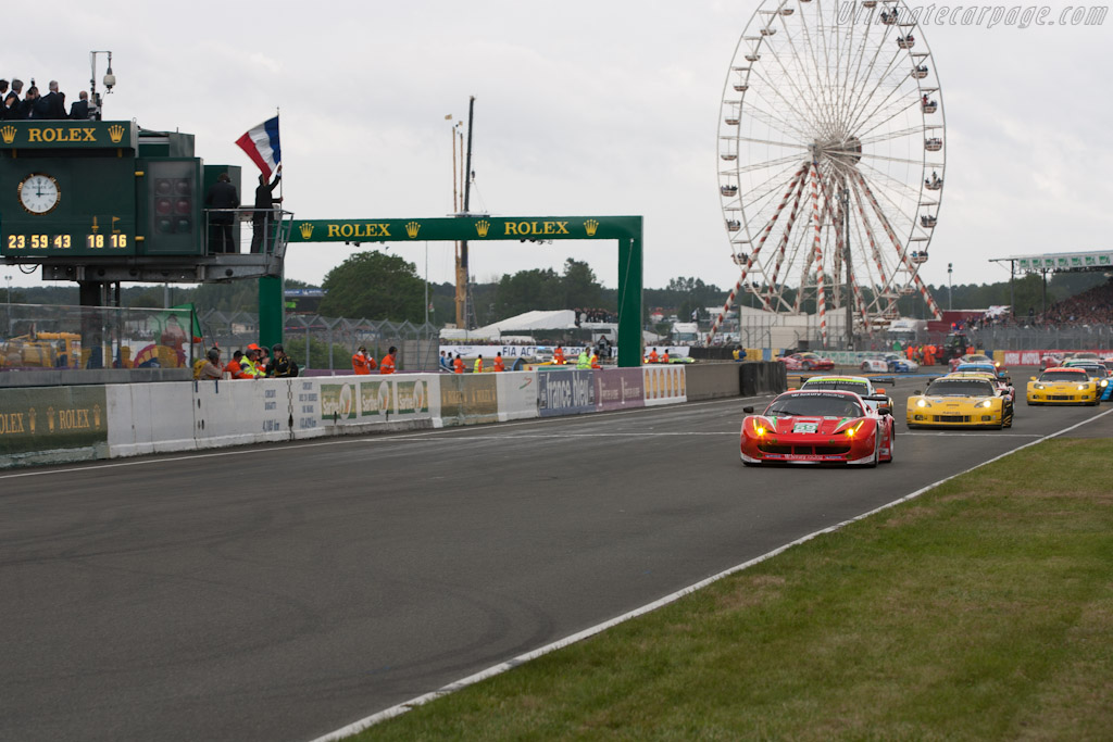 Off they go - Chassis: 2832   - 2012 24 Hours of Le Mans