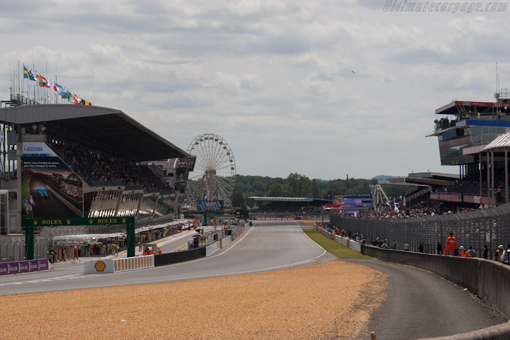 Start-Finish Straight    - 2012 24 Hours of Le Mans