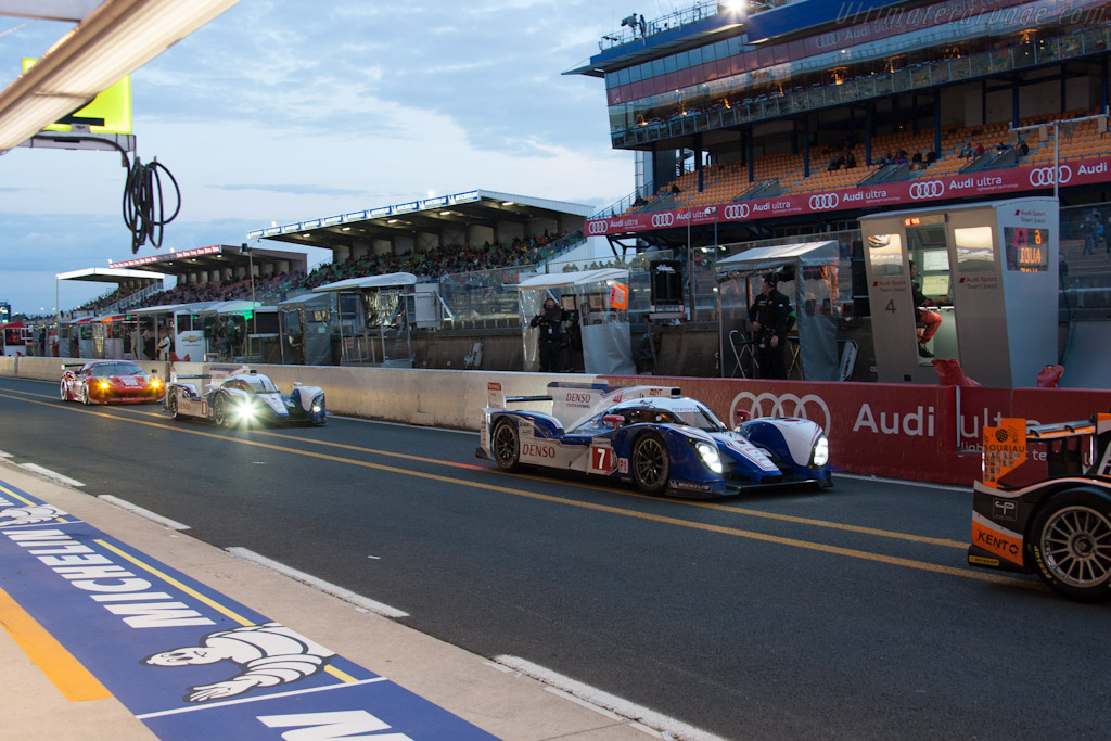 Toyotas - Chassis: 12-02   - 2012 24 Hours of Le Mans