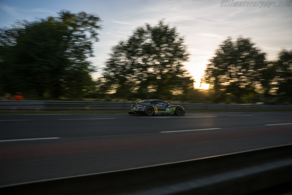 Aston Martin V8 Vantage GTE - Chassis: GTE-003 - Entrant: Aston Martin Racing - Driver: Paul Dalla Lana / Pedro Lamy / Mathias Lauda  - 2017 24 Hours of Le Mans