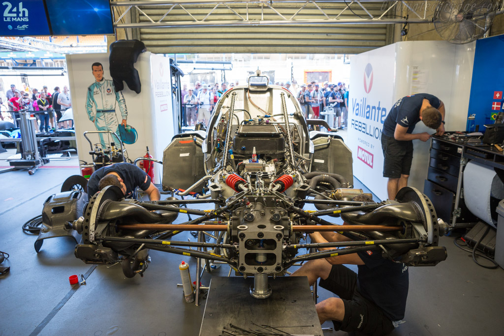 Oreca 07 Gibson - Chassis: 07-LMP2-27 - Entrant: Vaillante Rebellion - Driver: Nelson Piquet Jr / David Heinemeier Hansson / Mathias Beche - 2017 24 Hours of Le Mans