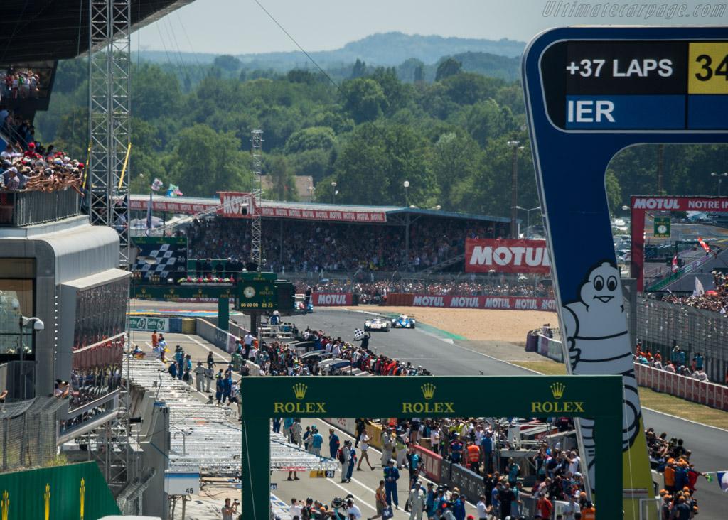 Porsche 919 Hybrid  - Entrant: Porsche LMP Team - Driver: Timo Bernhard / Earl Bamber / Brendon Hartley  - 2017 24 Hours of Le Mans