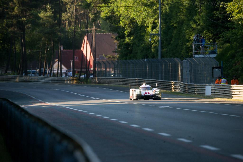 Porsche 919 Hybrid  - Entrant: Porsche LMP Team - Driver: Neil Jani / Andre Lotterer / Nicholas Tandy  - 2017 24 Hours of Le Mans