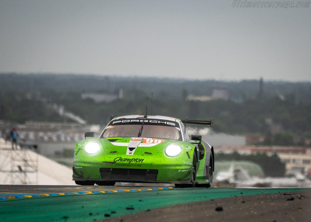 Porsche 911 RSR  - Entrant: Proton Competition - Driver: Patrick Long / Timothy Pappas / Spencer Pumpelly  - 2018 24 Hours of Le Mans