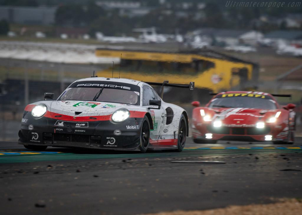 Porsche 911 RSR  - Entrant: Porsche GT Team - Driver: Patrick Pilet / Nick Tandy / Earl / Bamber  - 2018 24 Hours of Le Mans