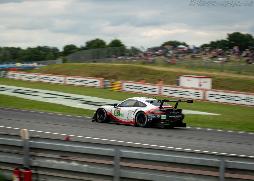 Porsche 911 RSR - Chassis: WP0ZZZ99ZHS199901 - Entrant: Porsche GT Team - Driver: Patrick Pilet / Nick Tandy / Earl / Bamber - 2018 24 Hours of Le Mans