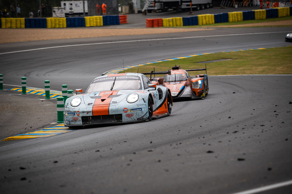 Porsche 911 RSR - Chassis: WP0ZZZ99ZJS199915 - Entrant: Gulf Racing - Driver: Michael Wainwright / Benjamin Barker / Thomas Preining - 2019 24 Hours of Le Mans