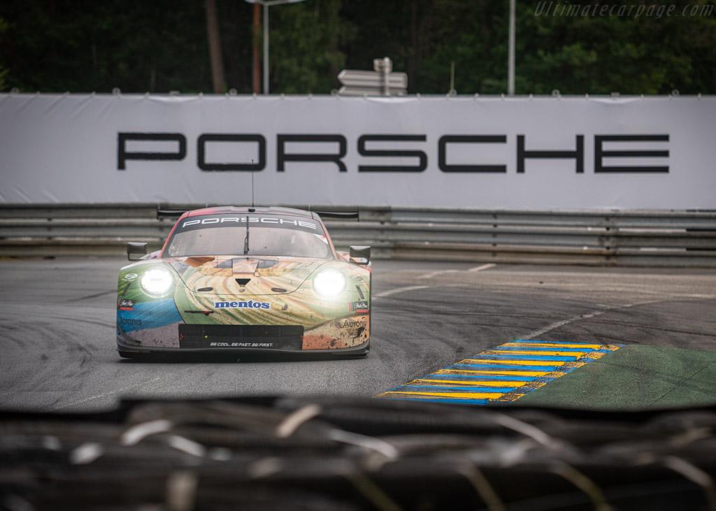 Porsche 911 RSR - Chassis: WP0ZZZ99ZJS199913 - Entrant: Team Project 1 - Driver: Jörg Bergmeister / Patrick Lindsey / Egidio Perfetti - 2019 24 Hours of Le Mans