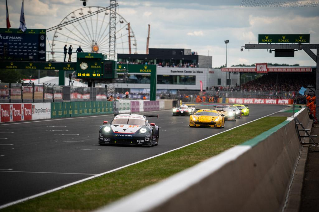 Porsche 911 RSR - Chassis: WP0ZZZ99ZJS199919 - Entrant: Proton Competition - Driver: Louis Prette / Philippe Prette / Vincent Abril - 2019 24 Hours of Le Mans