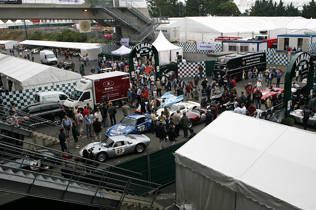 A long line at the gas station    - 2006 Le Mans Classic
