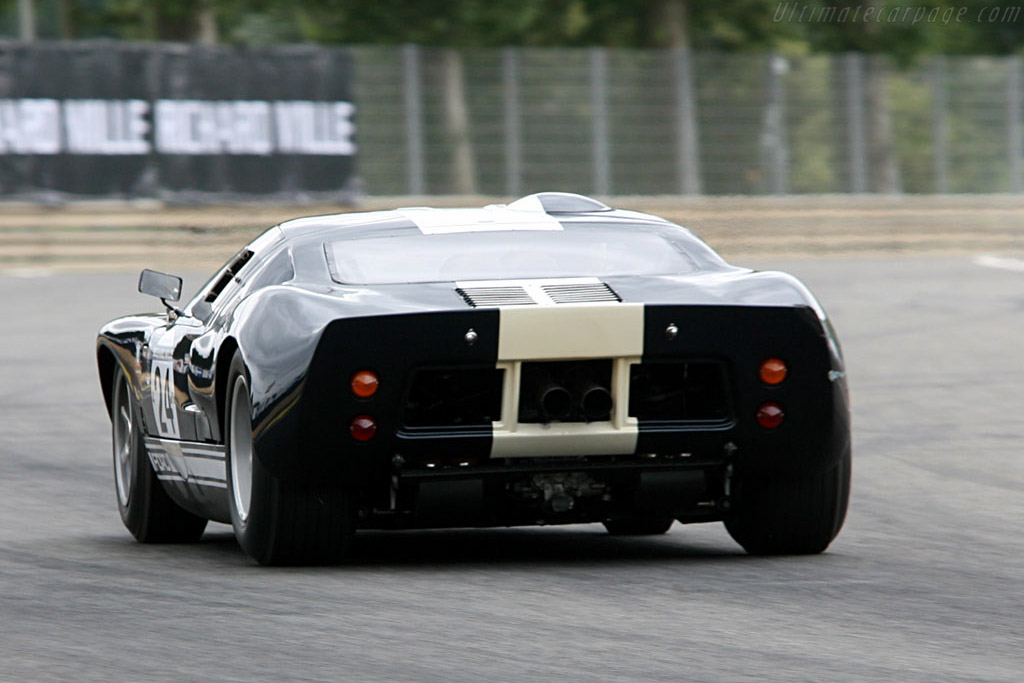 Ford GT40 - Chassis: GT40P/1023 - Driver: Christian Glasel - 2006 Le Mans Classic