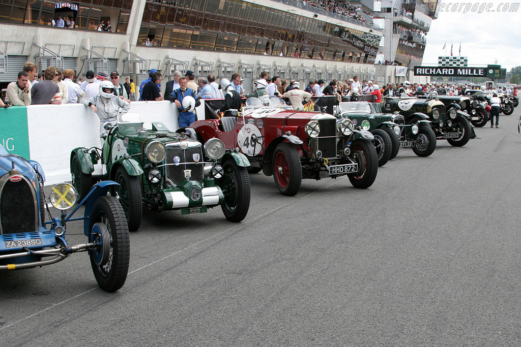 The traditional Le Mans start    - 2008 Le Mans Classic