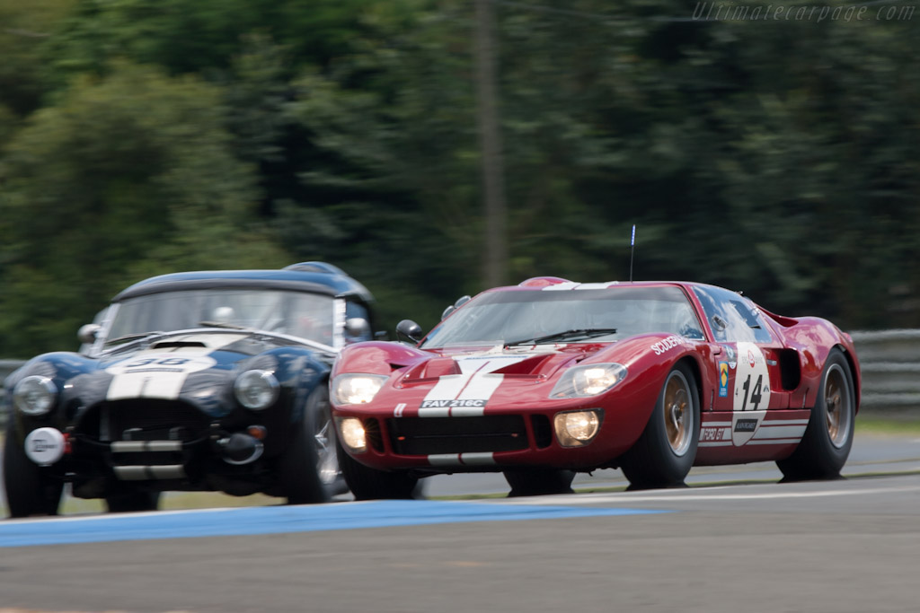 Ford GT40 - Chassis: GT40P/1005   - 2012 Le Mans Classic