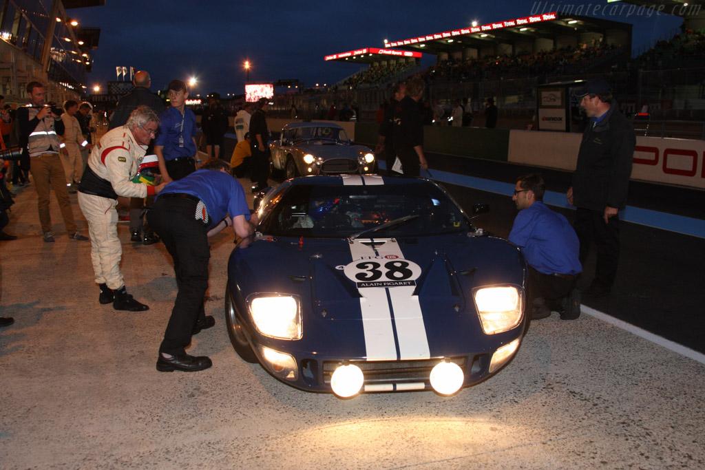 Ford GT40 - Chassis: GT40P/1024 - Driver: Jose Manuel Albuquerque / Francisco Albuquerque  - 2014 Le Mans Classic
